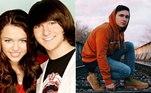 O trio de melhores amigos da série não estaria completo sem Oliver, personagem vivido por Mitchel Musso. Após Hannah Montana, ela participou de produções como Par de Reis, dublou o desenho Phineas e Ferbe estará em breve na série The Rise