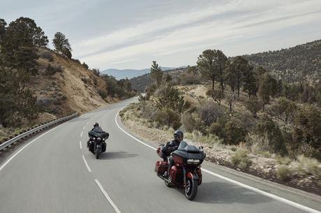 Viajar de moto é fazer parte da paisagem