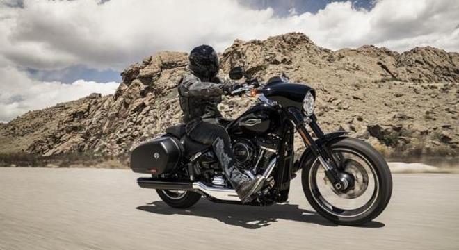 A condição dos rolamentos da coluna de direção na sua motocicleta Harley-Davidson afeta diretamente a pilotagem e o manuseio dela. H-D Sport Glide