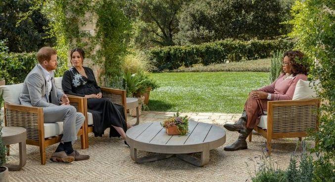 Harry, Meghan e Oprah em entrevista polêmica