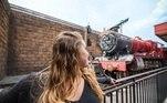 O parque temático da Universal, em Orlando (EUA), fez uma homenagem a Harry Potter. No local, os fãs podem viajar na réplica do Expresso de Hogwarts