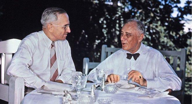 Truman era vice-presidente de FDR; quando este último morreu no cargo, Truman o sucedeu