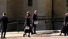 No funeral do avô, William e Harry conversam pela 1ª vez após briga