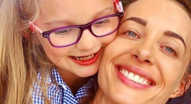 Emily com a sobrinha Winter, uma das últimas postagem no Instagram