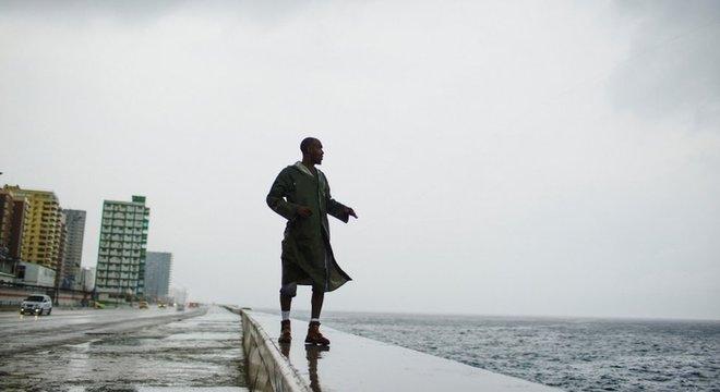 Na costa oeste de Cuba, foram registradas fortes chuvas em decorrência do furacão