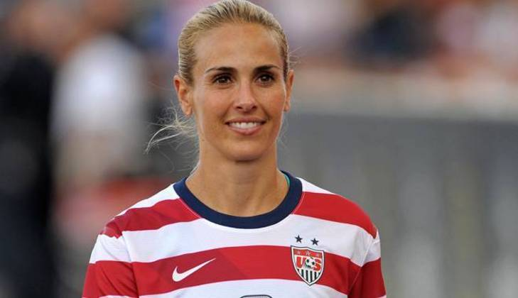 Heather Mitts é mais uma jogadora de futebol tricampeã dos Jogos Olímpicos com os Estados Unidos (2004/2008/2012). Ela encerrou sua carreira nos gramados em 2013.