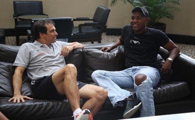 Hector Carabalí - O volante equatoriano chegou ao São Paulo em 1999 pelas boas atuações na seleção equatoriana.