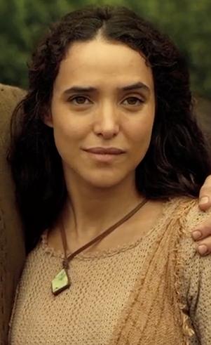 Heidi (Marjorie Gerardi): Esposa de Sem e nora de Noé.