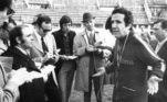 Roma, 6-4-1971.- El entrenador Helenio Herrera, gesticula durante una rueda de prensa con los periodistas, en el estadio Flaminio de Roma, durante un descanso en los entrenamientos del equipo. La directiva del club Roma ha anunciado que Herrera cesará como entrenador al finalizar esta temporada. EFE/ jg