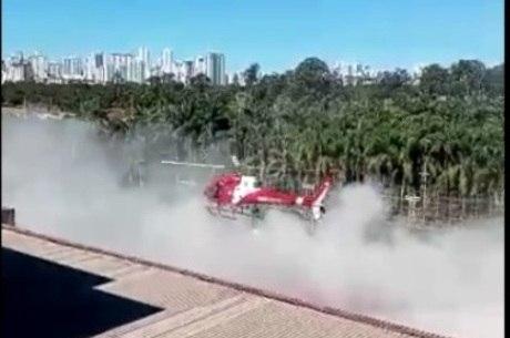 Helicóptero dos Bombeiros bateu com hélice em prédio antes de cair