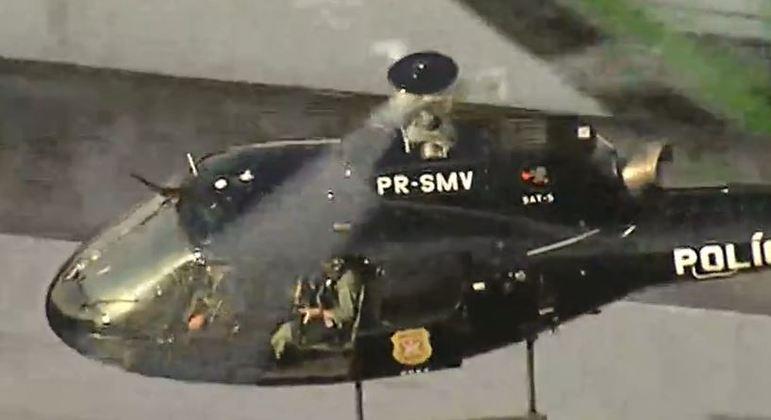 Helicóptero auxilia no trabalho de varredura da zona norte de SP após troca de tiros entre policiais e suspeitos