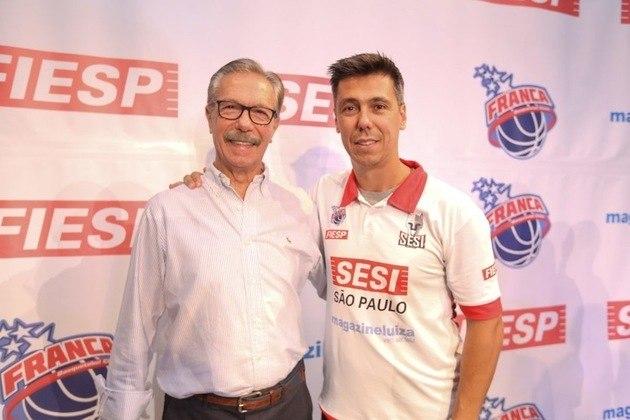 Helinho - O ex-jogador e atual técnico de basquete é filho de um dos maiores comandantes da história da modalidade no Brasil, Hélio Rubens