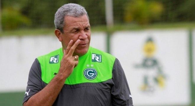 Hélio dos Anjos deixou o Goiás em maio de 2018 e ainda não se recolocou no mercado. Na sua sexta passagem pelo clube, o técnico fez 43 jogos, com 18 vitórias, 13 empates e 12 derrotas.