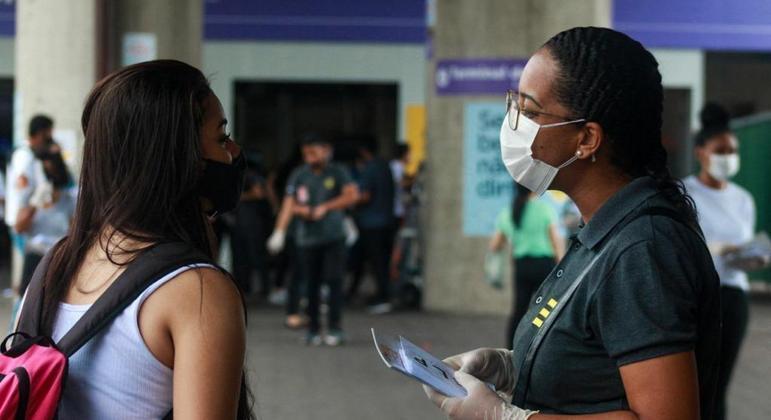 Voluntários atuam na campanha 'Sua Saúde Mental é Essencial'