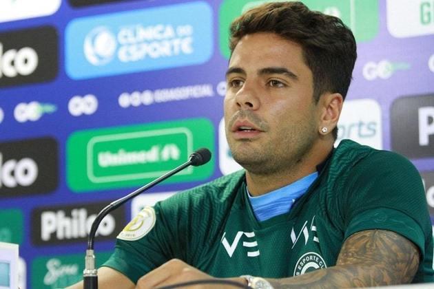 Henrique Almeida - O atacante sofreu com lesões e não se destacou pelo Goiás. Com contrato até o fim do ano, poderá assinar com outra equipe a partir de janeiro.