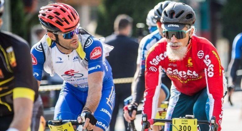 Henrique Avancini correu disfarçado de idoso em competição de ciclismo realizada em São Paulo