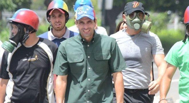"""O oposicionista Henrique Capriles diz que o """"ciclo de Guaidó"""" se encerrou"""