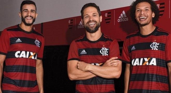 7d5ae939d4 Flamengo lança nova camisa para disputar Libertadores e Brasileiro ...