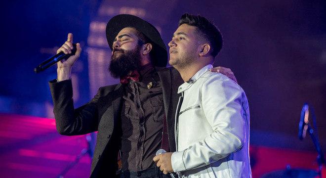 Dupla Henrique e Juliano aparece em primeiro lugar entre as músicas mais ouvidas