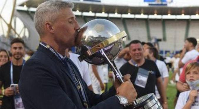Crespo tem as características que Casares busca no novo treinador São Paulo