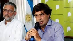 Ministro da Fazenda da Argentina admite erros de gestão e entrega o cargo (Demian Alday/Reuters)
