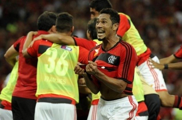 Hernane: 12 gols em 2013 - O Flamengo não foi campeão, mas o atacante já mostrava as características de goleador.