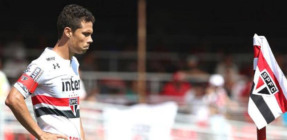 Magoado, Hernanes escreveu a mais bela carta de despedida de um jogador a seu clube no Brasil
