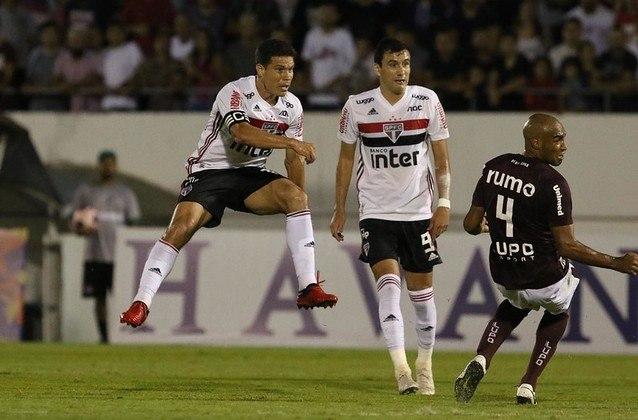 Hernanes - Ferroviária 1 X 2 São Paulo - De canhota, Profeta marcou o único gol dele na temporada até agora