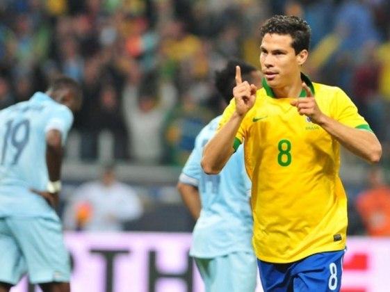 Hernanes -  Venceu a medalha de bronze em Pequim-2008, quando o Brasil derrotou a Bélgica por 3 a 0 na disputa do terceiro lugar.