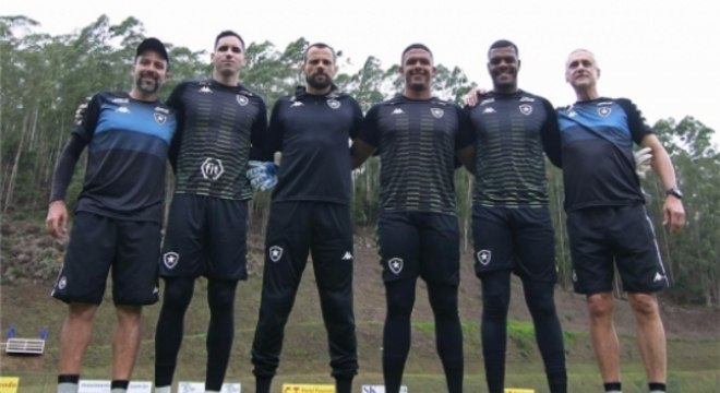 Herrera, Gatito, Cavalieri, Loureiro, Saulo e Tenius - Botafogo