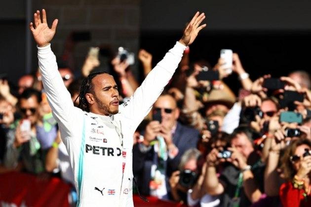 Hexacampeão da Fórmula 1, o inglês Lewis Hamilton usou seu perfil no Instagram para protestar contra a violência de policiais americanos a pessoas negras.