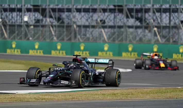 Hexacampeão foi o autor da volta mais rápida em Silverstone