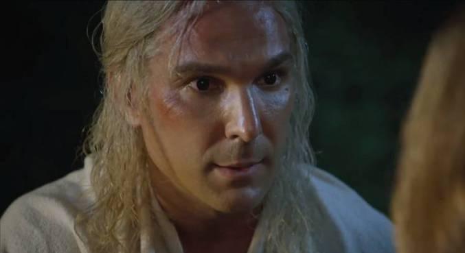 Igor colocou uma peruca loira para interpretar Heylel