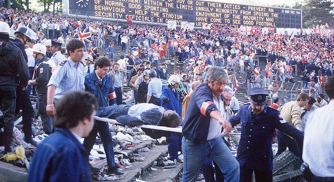 Uma imagem da tragédia de Heysel, em 1985