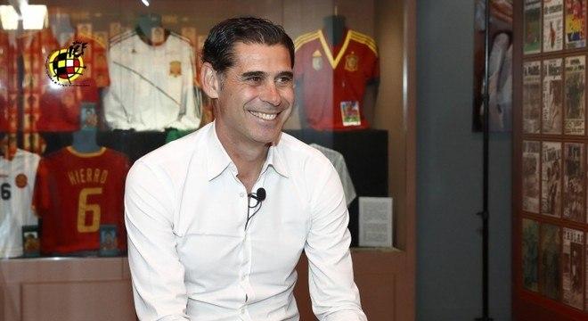 Fernado Hierro assume a seleção espanhola a dois dias da Copa