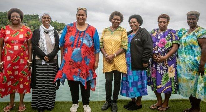 Políticas de Vanuatu criaram seu próprio partido político, com Hilda Lini (à esquerda) como sua principal candidata