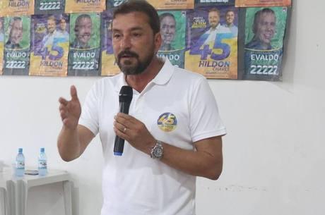 Hildon Chaves (foto) tem 52 anos e é advogado