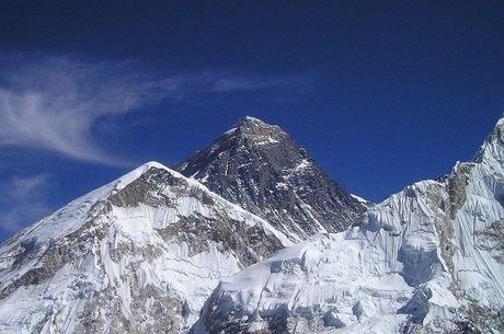 Resultado de imagem para MONTE GURJA PICO DO HIMALAIA NEPAL