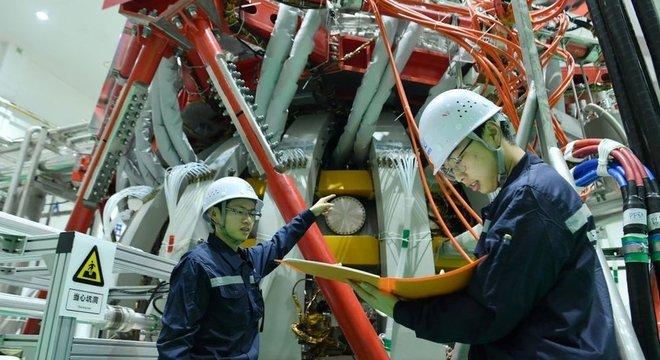 A China tem exaltado seu programa de energia por fusão nuclear, e pretende usá-la comercialmente em 2050