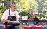 Andréa Nóbrega preparou uma de suas receitas no festival do nhoque. A loira disputou com o apresentador Celso Zucatelli, que mostrou que entende de cozinha!