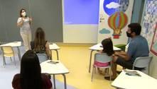 Cidade de SP realiza teste de covid-19 em profissionais de Educação