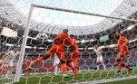 A Holanda tinha como destaque a dupla Wijnaldum, com três gols na competição, e Memphis Dapay, com 2 tentos anotados