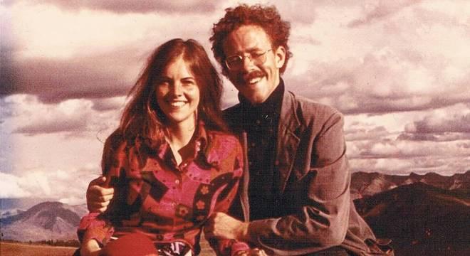 Holly e Fitz no topo de uma montanha perto de Cusco