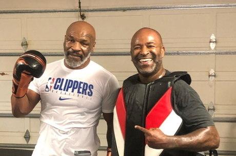 Tyson e o treinador Rafael Cordeiro durante preparação