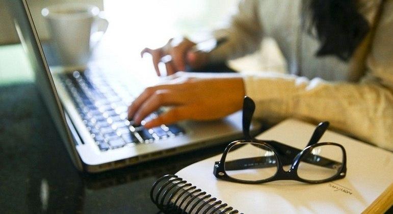 Governo de SP determina retorno dos servidores ao trabalho presencial