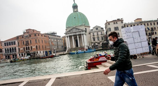 As atividades culturais foram suspensas na turística Veneza