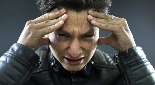 Hidratação, descanso e alimentação regular costumam evitar as dores de cabeça