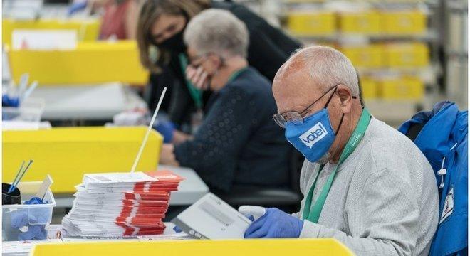 Nos EUA, um candidato precisa de pelo menos 270 votos no Colégio Eleitoral para chegar à Presidência