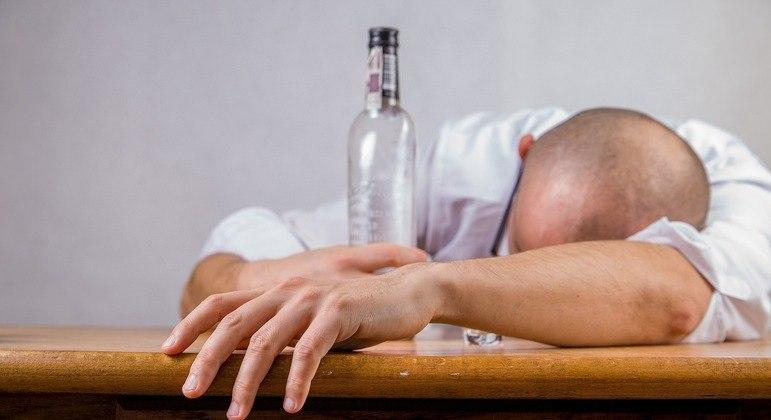 Entenda quais os efeitos das bebidas alcóolicas no organismo