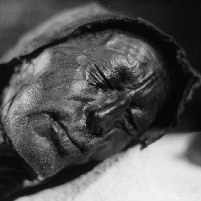 O Homem de Tollund morreu mal, mas manteve essa expressão tranquila